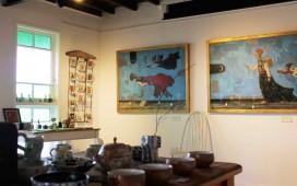 ceramics-with-paintings-in-bg
